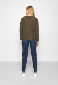 Pieces - PCLEAH MOM  - Jeans relaxed fit - dark blue denim - 2