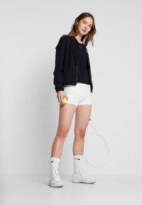 Lotto - TENNIS TEAMS SHORT - Collants - brilliant white - 1