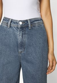 Tommy Hilfiger - BELL BOTTOM - Flared Jeans - patty - 6