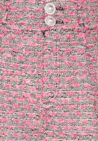 Custommade - ALIBA - Shorts - black/pink - 5