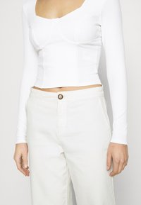 Monki - VINNIE  - Long sleeved top - solid offwhite - 5