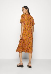 Vero Moda - VMVILDE CALF DRESS - Day dress - buckthorn brown - 2