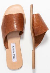 Steve Madden - JONNA - Pantofle - brown - 3