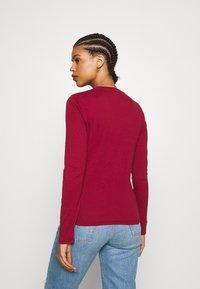 Levi's® - BABY TEE - T-shirt à manches longues - biking red - 2