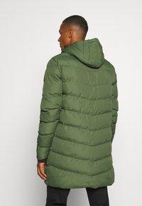 11 DEGREES - LONG LINE CHEVRON PUFFER - Winter coat - forest green - 2