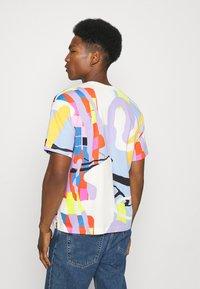 adidas Originals - LOVE UNITES UNISEX - T-shirt med print - multicolor - 2