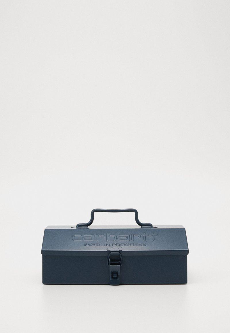 Carhartt WIP - SCRIPT TOOL BOX - Other - admiral
