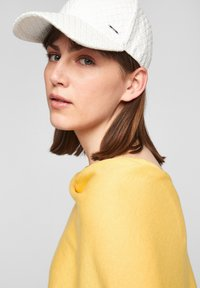 s.Oliver - Cape - yellow - 4