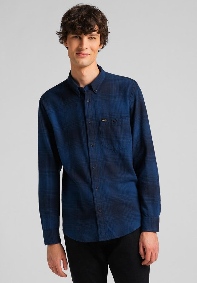 RIVETED - Camicia - washed blue