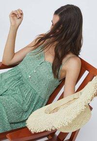OYSHO - Day dress - green - 2