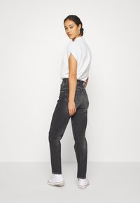 Tommy Jeans - MOM - Relaxed fit jeans - ginger grey - 2