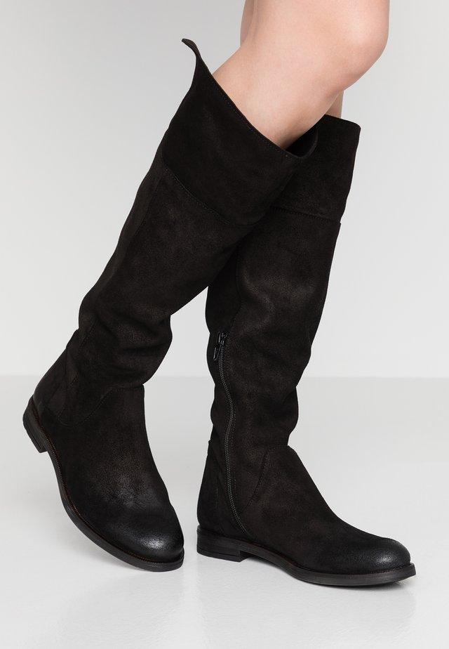 CHARMER - Vysoká obuv - black