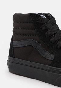 Vans - SK8 UNISEX - Vysoké tenisky - black - 5