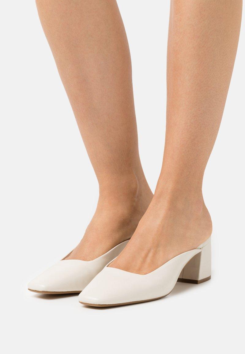ALDO - BRERWEN - Heeled mules - white