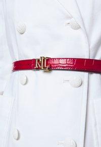 Lauren Ralph Lauren - CROC EMBOSS - Belt - candy red/black - 1