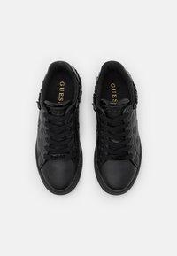 Guess - RIYAN - Trainers - black - 5