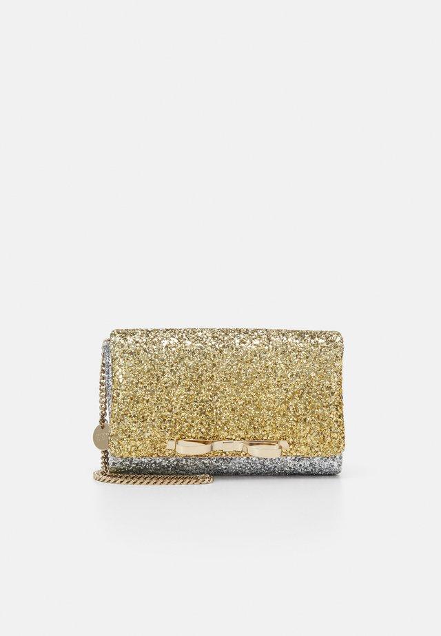 SANDIE DEGRADE GLITTER - Clutch - oro/argento