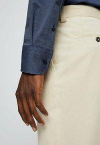 BOSS - P HANK KENT - Formal shirt - open blue - 4