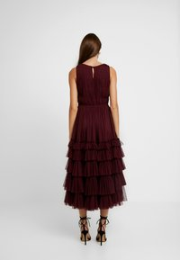 Lace & Beads - MEL MIDI - Cocktail dress / Party dress - burgundy - 3
