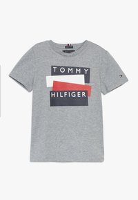 Tommy Hilfiger - STICKER TEE  - T-Shirt print - grey - 0