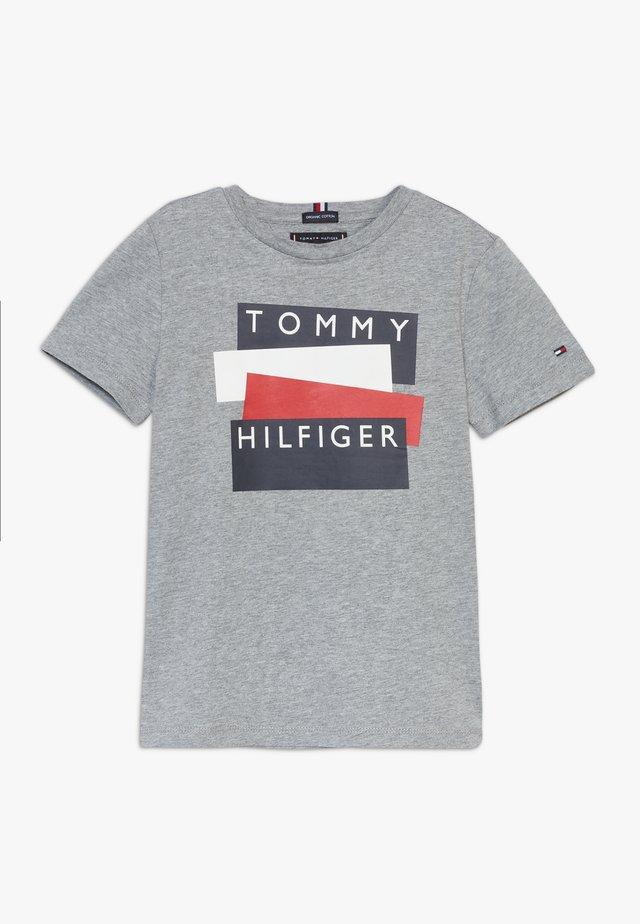 STICKER TEE  - T-shirt print - grey