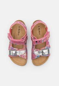 Kickers - FUXIO - Sandals - rose/argent - 3