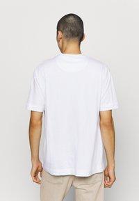 Good For Nothing - BRANDING BADGE - Print T-shirt - white - 2