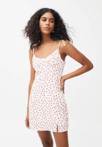 PULL&BEAR - PRINTED MINI  - Day dress - white - 0