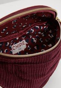 Chipie - BANANE - Håndtasker - bordeaux - 5