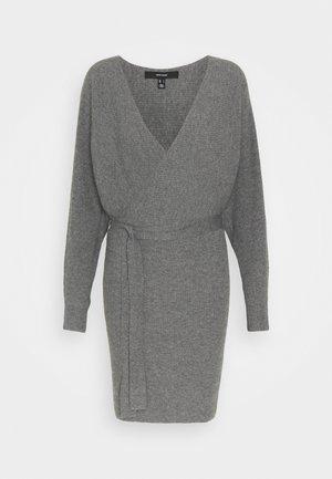 VMREM VNECK  - Jumper dress - medium grey melange