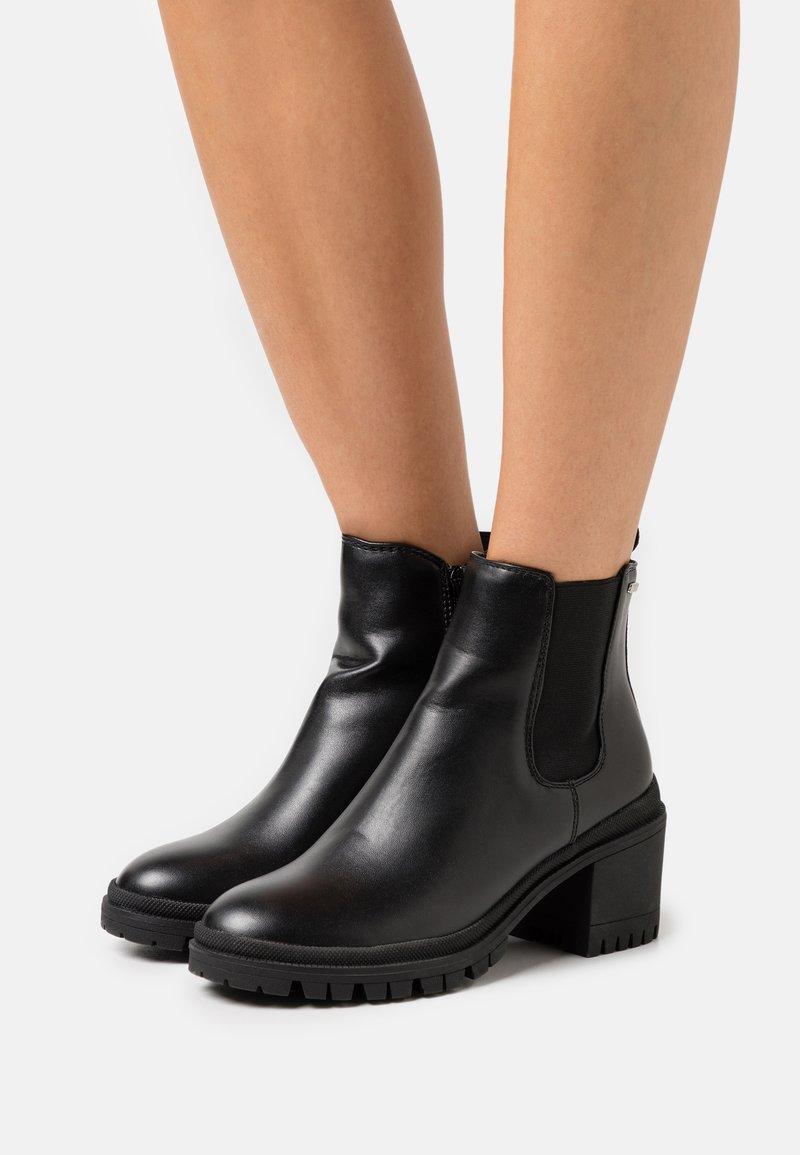 Mexx - DANELLA - Kotníková obuv - black