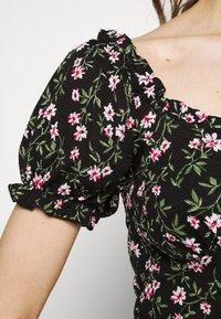 ONLY - ONLPELLA VNECK - Print T-shirt - black - 4