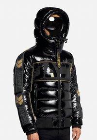 JACK1T - Denim jacket - black/wet black/gold - 1