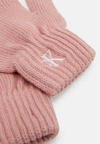 Calvin Klein Jeans - MONOGRAM GLOVES - Rukavice - pink - 2