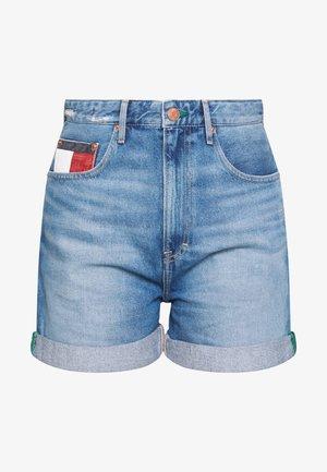 HIGH RISE MOM - Denim shorts - light blue denim