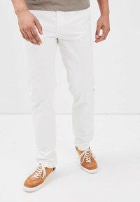 BONOBO Jeans - INSTINCT - Chinos - ecru - 0