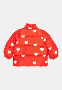 Mini Rodini - BABY HEARTS PICO PUFFER JACKET - Winter jacket - red - 2