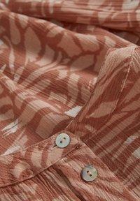 Kaffe - KAFFE KAMARTINE PPP SHIRT - Blouse - old rose  - brush marks - 6
