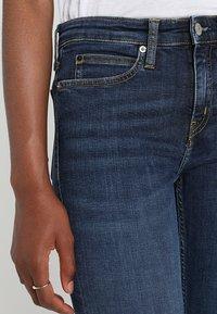 Calvin Klein Jeans - CKJ 011 MID RISE SKINNY  - Jeans Skinny Fit - amsterdam blue mid - 4