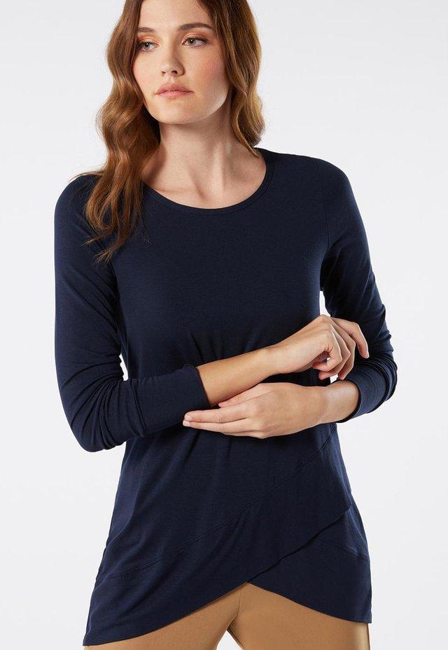 LANGÄRMELIGES OBERTEIL AUS MICROMODAL IN WICKELOPTIK - Long sleeved top - blu intenso