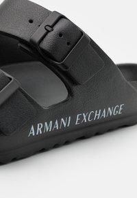 Armani Exchange - Sandalias planas - black/optic white - 5