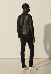 sandro - ANTHONY - Leather jacket - noir - 2