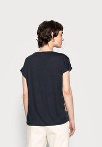 Opus - SUSA SQUARE - Print T-shirt - mystic blue - 2