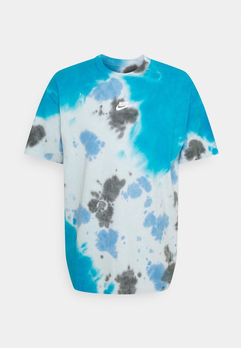 Nike Sportswear - TEE  - T-shirt med print - laser blue/football grey