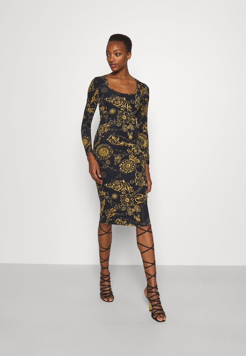Versace Jeans Couture - Vestido ligero - black/gold