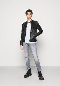 JOOP! Jeans - ALPHIS - T-shirt basic - weiß - 1