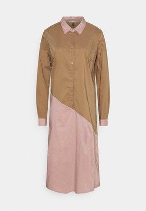 ANTONIETT DRESS - Shirt dress - brown sugar