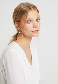 SNÖ of Sweden - HYDE OVAL EAR  - Pendientes - gold-coloured