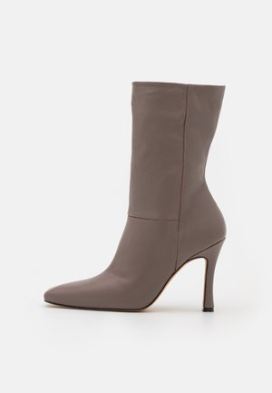 GERMEN - Classic ankle boots - grey