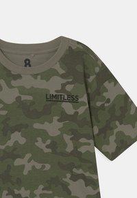 Cotton On - MAX SKATER - T-shirt print - khaki - 2